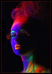 Краски боди-арт,  светящиеся в ультрафиолете