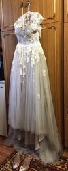 Цветное свадебное платье с нежным кружевом